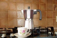 Κατασκευαστής καφέ του τύπου geyzer ` s Στοκ Φωτογραφία