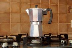 Κατασκευαστής καφέ του τύπου geyzer ` s Στοκ Εικόνες