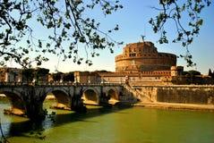 Κατασκόπευση σε Castel Sant'Angelo Στοκ Φωτογραφίες