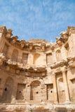 Καταστρέφει την πόλη Jerash στην Ιορδανία/την αψίδα του Αδριανού σε Jerash Στοκ Φωτογραφία