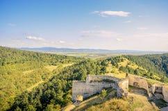 Καταστροφές ενός κάστρου με ένα όμορφο τοπίο Στοκ φωτογραφία με δικαίωμα ελεύθερης χρήσης