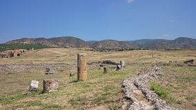 Καταστροφές και καταστροφές της αρχαίας πόλης, Hierapolis κοντά σε Pamukkale, Τουρκία στοκ εικόνες