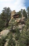 Καταστροφές μιας εκλεκτής ποιότητας καμπίνας στο βράχο κοντά στο πάρκο Sphinx στοκ φωτογραφία με δικαίωμα ελεύθερης χρήσης