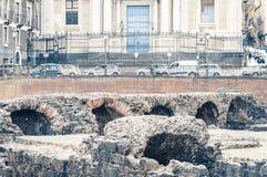 Καταστροφές παλαιό ρωμαϊκό Romano Anfiteatro αμφιθεάτρων στην Κατάνια, Σικελία, Ιταλία στοκ φωτογραφία με δικαίωμα ελεύθερης χρήσης