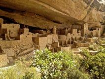 Καταστροφές παλατιών απότομων βράχων σε Mesa Verde Στοκ Φωτογραφία