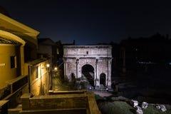 Καταστροφές στη Ρώμη τη νύχτα κοντά στο Hill Capitoline Στοκ Εικόνες