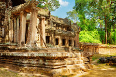 Καταστροφές της εισόδου TA Kou σε Angkor Wat η Καμπότζη συγκεντρώνει siem Στοκ Φωτογραφία