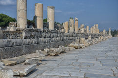 Καταστροφές της οδού Ephesus Colonnaded Στοκ εικόνα με δικαίωμα ελεύθερης χρήσης