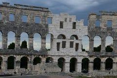 Καταστροφές του αρχαίου αμφιθεάτρου Pula Κροατία Στοκ Φωτογραφία