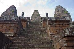 Καταστροφές του αρχαίου ναού Bakong Angkor Στοκ Φωτογραφία