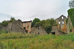 Καταστροφές του αρχαίου χωριού mossy στοκ εικόνες