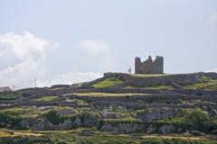 Καταστροφές του κάστρου Ο ` Brien ` s σε Inisheer, νησιά Aran, Ιρλανδία Στοκ Εικόνα
