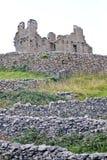 Καταστροφές του κάστρου Ο ` Brien ` s σε Inisheer, νησιά Aran, Ιρλανδία Στοκ εικόνα με δικαίωμα ελεύθερης χρήσης