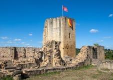 Καταστροφές του κάστρου σε Carlux στην κοιλάδα Dordogne, Aquitaine στοκ εικόνες με δικαίωμα ελεύθερης χρήσης