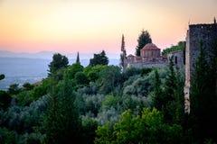 Καταστροφές του μεσαιωνικού βυζαντινού πόλη-κάστρου φαντασμάτων του Μυστρά, Πελοπόννησος Στοκ Φωτογραφίες