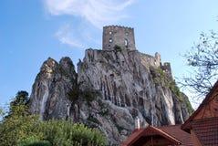 Καταστροφές του παλαιού κάστρου Beckov στοκ εικόνες