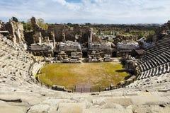 Καταστροφές του ρωμαϊκού θεάτρου στην πλευρά, Τουρκία Στοκ φωτογραφία με δικαίωμα ελεύθερης χρήσης
