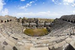 Καταστροφές του ρωμαϊκού θεάτρου στην πλευρά, Τουρκία Στοκ Εικόνα