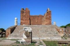 Καταστροφές του Capitoleum, Ostia Antica, Ιταλία Στοκ εικόνα με δικαίωμα ελεύθερης χρήσης