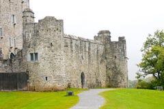 Καταστροφές του Ross Castle σε Killarney, Ιρλανδία στοκ εικόνες