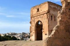 Καταστροφές των τάφων Merinid επάνω από το παλαιό medina σε Fes, Μαρόκο Στοκ φωτογραφία με δικαίωμα ελεύθερης χρήσης