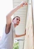 Καταστροφή έτοιμη - παράθυρα κοντραπλακέ στοκ φωτογραφία με δικαίωμα ελεύθερης χρήσης