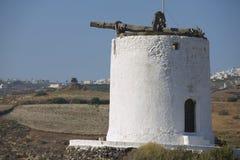 Καταστροφή του αρχαίου ανεμόμυλου σε Santorini, Ελλάδα στοκ εικόνες με δικαίωμα ελεύθερης χρήσης