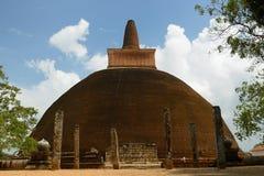 Καταστροφή Anuradhapura, dagoba Adhayagiri, Σρι Λάνκα Στοκ φωτογραφία με δικαίωμα ελεύθερης χρήσης