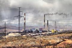 Καταστροφική ρύπανση της ατμόσφαιρας και μετασχηματισμός της γήινης επιφάνειας Στοκ φωτογραφία με δικαίωμα ελεύθερης χρήσης