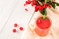 Καταφερτζής μούρων των φραουλών και των σμέουρων Στοκ Εικόνα