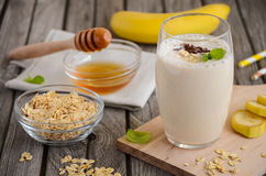 Καταφερτζής μπανανών με oatmeal Στοκ εικόνες με δικαίωμα ελεύθερης χρήσης