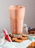 Καταφερτζής σοκολάτας με την μπανάνα και το φυστικοβούτυρο Στοκ εικόνα με δικαίωμα ελεύθερης χρήσης