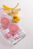 Καταφερτζής της Apple, μούρων και μπανανών (milkshake) Στοκ Εικόνες