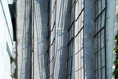 Κατεβαίνοντας κεκλιμένες ράμπες Στοκ Φωτογραφίες