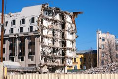 Κατεδαφισμένος οι καταστροφές οικοδόμησης στοκ φωτογραφία