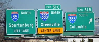 Κατευθυντικά σημάδια διαπολιτειακών αυτοκινητόδρομων σε ι-85 στοκ εικόνα