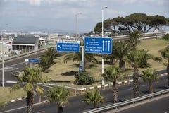 Κατευθυντικά σημάδια οδικής κυκλοφορίας στο Νότιο Αφρική του Καίηπ Τάουν Στοκ εικόνα με δικαίωμα ελεύθερης χρήσης