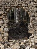 Κατεδαφισμένος τοίχος βράχου στοκ εικόνες