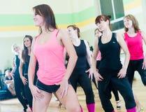 Κατηγορία χορού για το υπόβαθρο θαμπάδων γυναικών Στοκ Φωτογραφίες