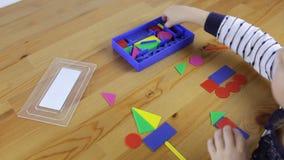Κατηγορίες με τις γεωμετρικές μορφές για ένα preschooler απόθεμα βίντεο