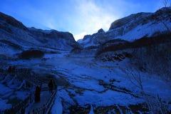 Κατηγορίες τοπίου: Το βουνό Changbai πέφτει τοπίο χιονιού Στοκ Εικόνες