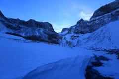 Κατηγορίες τοπίου: Το βουνό Changbai πέφτει τοπίο χιονιού Στοκ Εικόνα