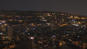 Κατοικήσιμη περιοχή της Βαρκελώνης τη νύχτα Άποψη από την κορυφή απόθεμα βίντεο