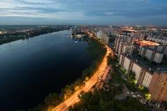 Κατοικήσιμη περιοχή τη νύχτα στη Αγία Πετρούπολη Ρωσία Στοκ Φωτογραφία