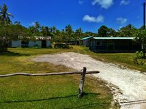 Κατοικημένα κτήρια στο νησί Νέα Καληδονία Lifou Στοκ εικόνες με δικαίωμα ελεύθερης χρήσης