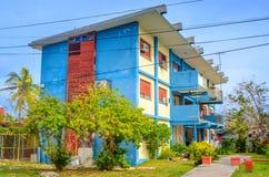 Κατοικημένα σπίτια στα περίχωρα της Αβάνας στοκ φωτογραφία με δικαίωμα ελεύθερης χρήσης