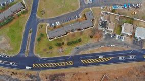 Κατοικημένη γειτονιά ύψος οδών και κτηρίων για το σχέδιό σας απόθεμα βίντεο