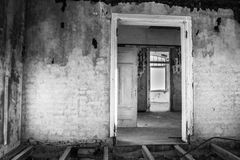 20 2006 κατοικημένη όχι pripyat σπίτια πόλη φαντασμάτων που έτη αυλών Στοκ Εικόνες