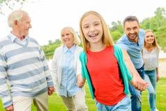 Κατοχή της διασκέδασης με την οικογένεια στοκ εικόνες με δικαίωμα ελεύθερης χρήσης