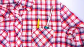 Κατσαβίδι στην τσέπη πουκάμισων Στοκ Φωτογραφία